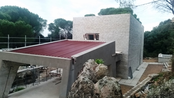 foto dall'alto con il particolare del tetto in rame - foto galluranews
