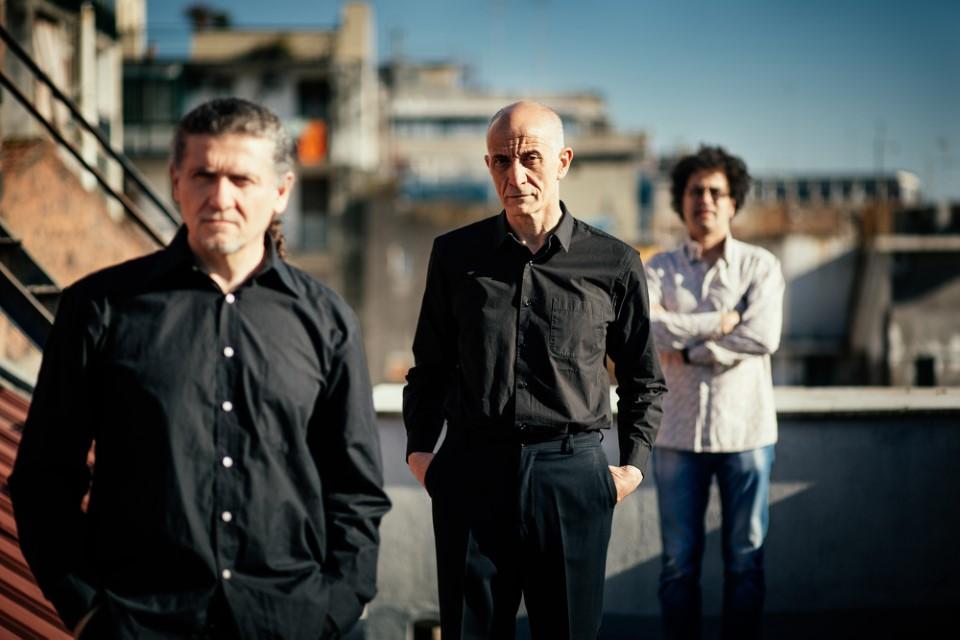 Beppe Servillo, Rosario Mangalavite e Javier Girotto